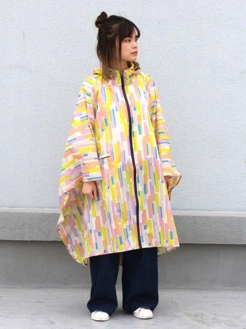 【ポンチョレインコート】のコーデ特集!雨の日も楽しく過ごそう