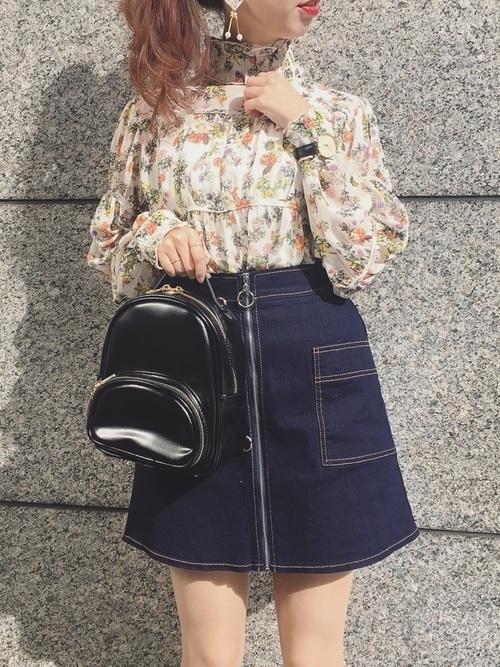 デニムスカートといえば、やっぱ【ミニ】!おしゃれな春コーデ特集♡の3枚目の画像