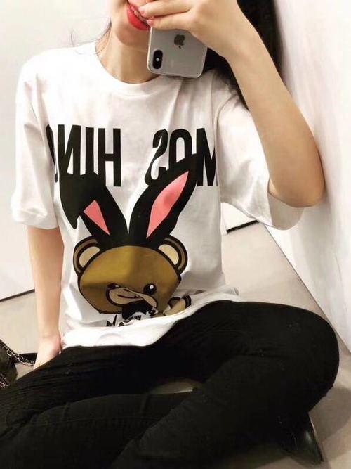 おしゃれさとおもしろさ、どっちも持ってるブランドTシャツ5選!の2枚目の画像