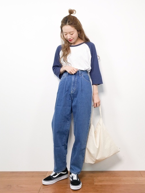 サイズ感がカギ!?Tシャツで作るおしゃれなレディースコーデ♡の18枚目の画像