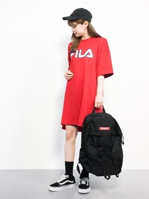 ac681c76d555 1万円以下では買えないけれど、女子大学生からも大人気のあのブランドからも様々な黒リュックが♡ 1つ目にご紹介するのはMILK  FED.。ストリートファッションを愛する ...