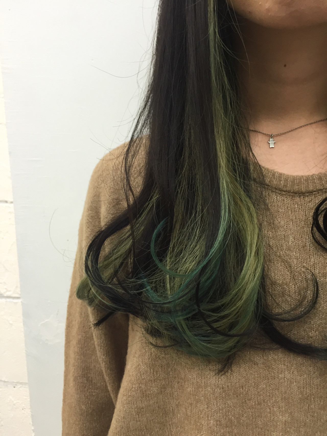 緑の髪色で作る透明感♡ナチュラル個性派髪色に挑戦したいアナタに♡の3枚目の画像