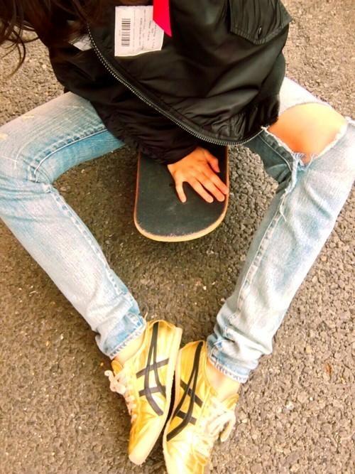 スニーカー革命起こします♡アシックススニーカーで足元をおしゃれにの2枚目の画像