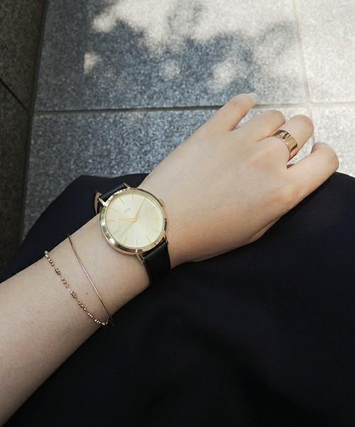 位置 腕時計 つける
