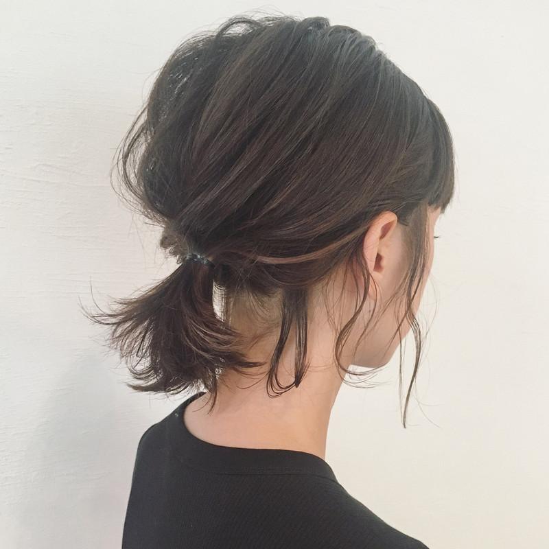 ヘアアレンジの鍵は後れ毛&ルーズ♡ボブポニーテールでごきげん髪型