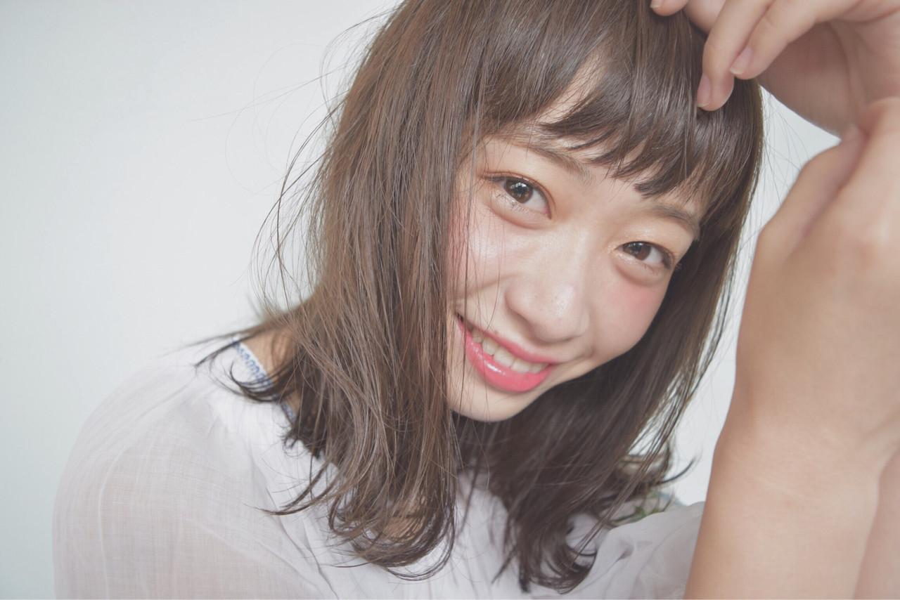 ミディアムヘアがかわいいって噂。大人可愛いミディアムアレンジ特集
