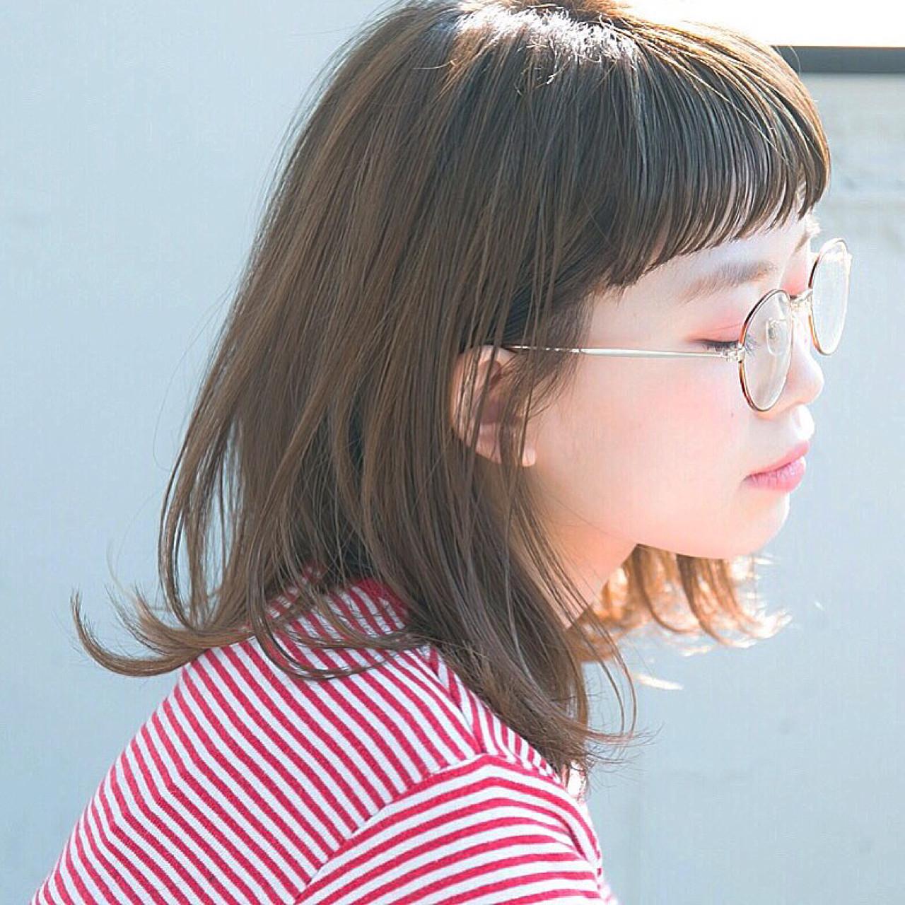 少女のようなキュートな印象になります。かっちりとした印象のメガネと合わせることで、バランスの取れたスタイルが完成しちゃいます♪