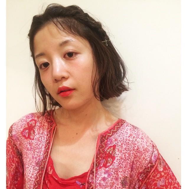 【最新!簡単前髪アレンジ】ねじりや編み込みで作るこなれ感前髪特集の24枚目の画像