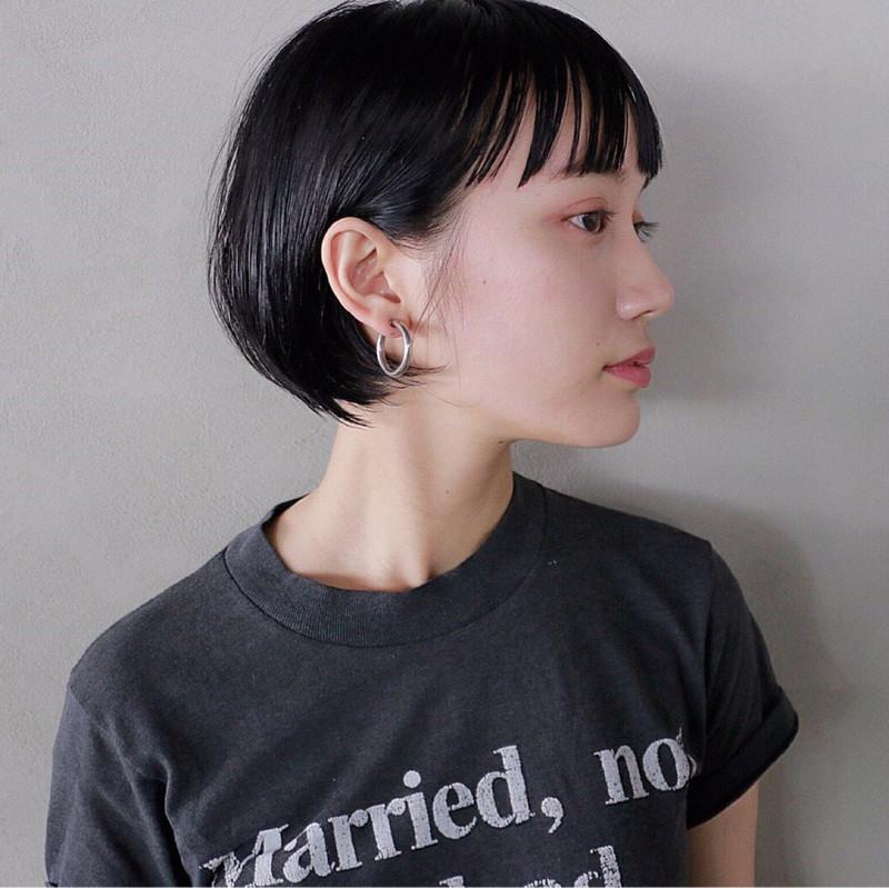 黒髪 をおしゃれに見せるコツは ヌケ感 レングス別のスタイル集