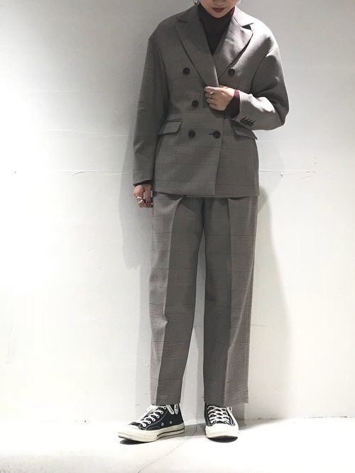 どう着こなす?グレンチェックジャケットでレディースコーデ20選の17枚目の画像
