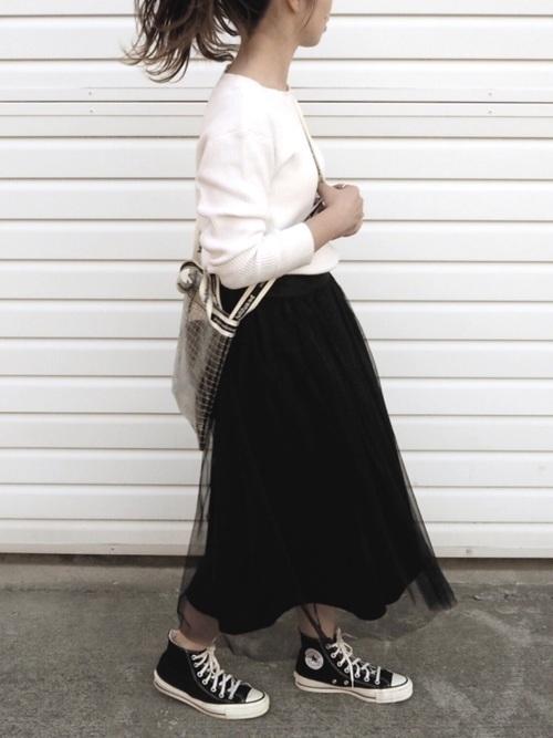 【女子の憧れ】フワっと揺れる黒チュールスカートのコーデをご紹介♡の2枚目の画像