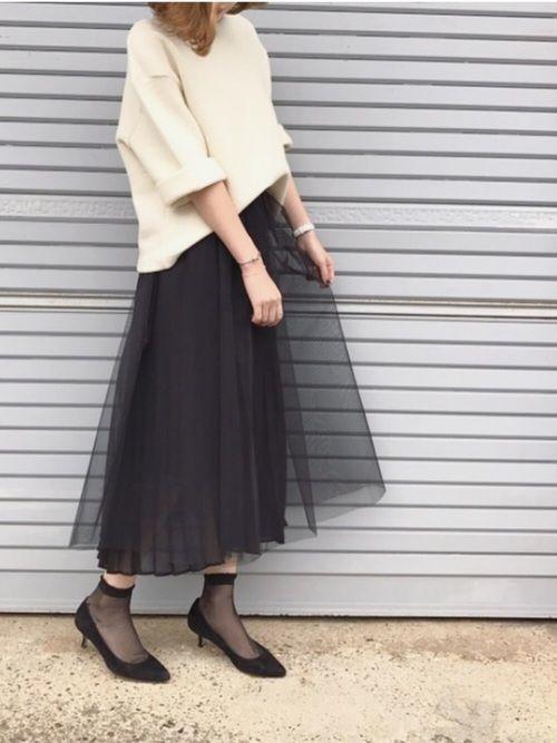 【女子の憧れ】フワっと揺れる黒チュールスカートのコーデをご紹介♡の6枚目の画像