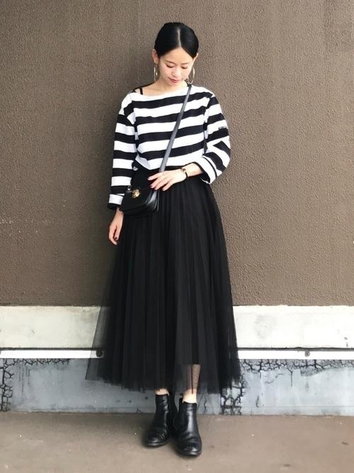 【女子の憧れ】フワっと揺れる黒チュールスカートのコーデをご紹介♡の7枚目の画像