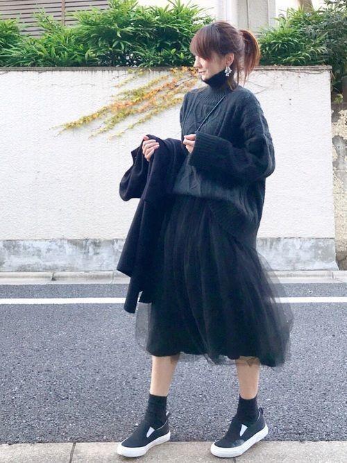 【女子の憧れ】フワっと揺れる黒チュールスカートのコーデをご紹介♡の15枚目の画像