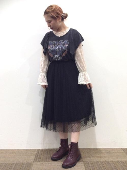 【女子の憧れ】フワっと揺れる黒チュールスカートのコーデをご紹介♡の16枚目の画像