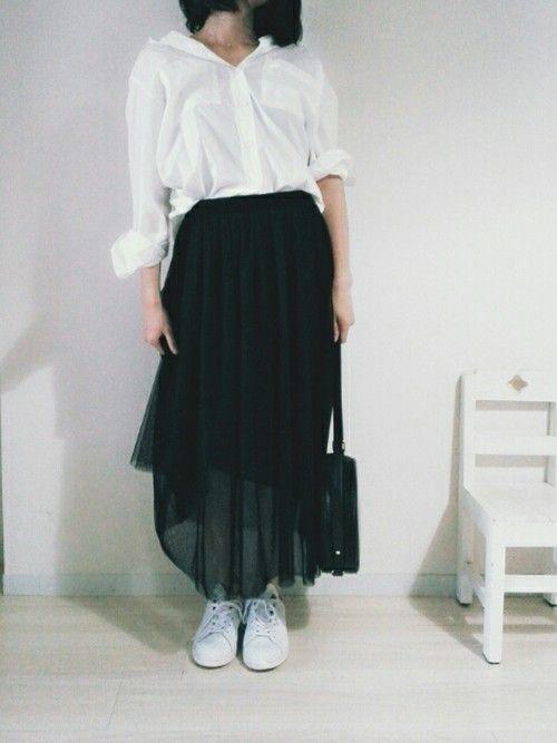 【女子の憧れ】フワっと揺れる黒チュールスカートのコーデをご紹介♡の23枚目の画像