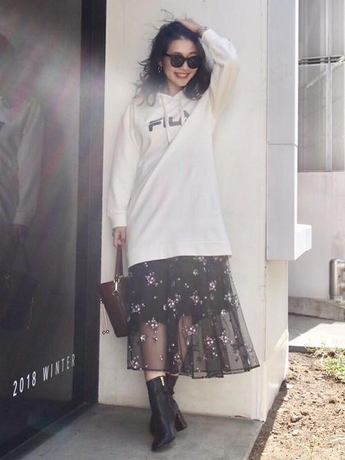 【女子の憧れ】フワっと揺れる黒チュールスカートのコーデをご紹介♡の24枚目の画像