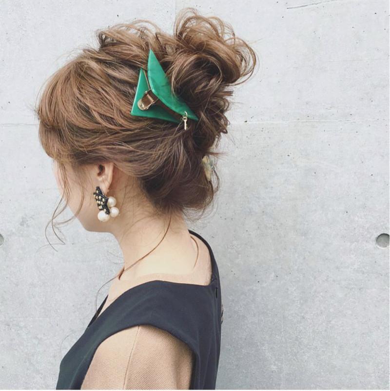 忙しい朝にぴったり♡<ワニクリップ>で簡単にまとめ髪アレンジ♡