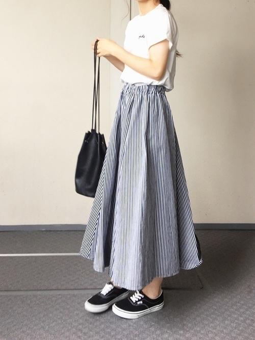 1着はもっていたい!ストライプスカートで作る旬顔コーデ25選♡の14枚目の画像