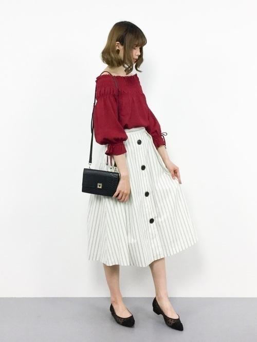 1着はもっていたい!ストライプスカートで作る旬顔コーデ25選♡の15枚目の画像
