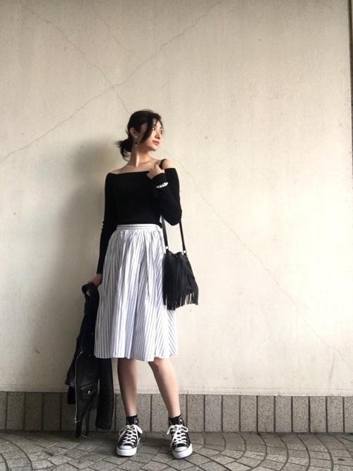 1着はもっていたい!ストライプスカートで作る旬顔コーデ25選♡の16枚目の画像