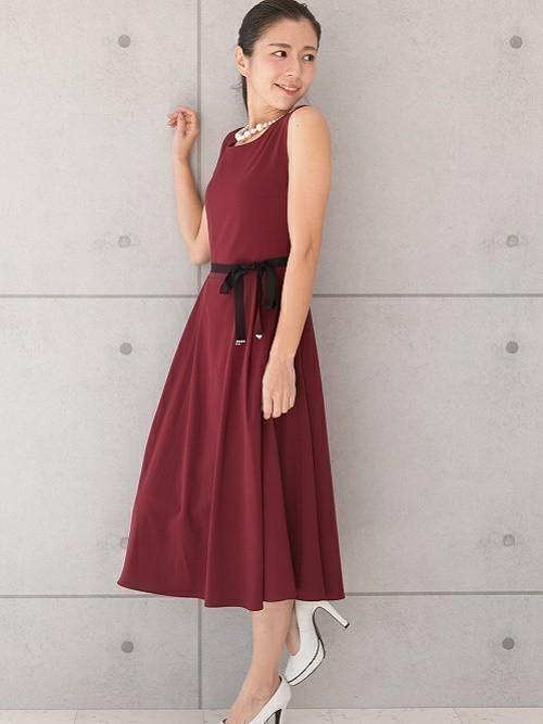 6b5063f0baeb4 一生の思い出になる日だから、すてきなお呼ばれコーデで足を運びたいですよね。そんなときにおすすめなのが、赤ドレス。華やかな雰囲気を作り出せるので、結婚式や  ...