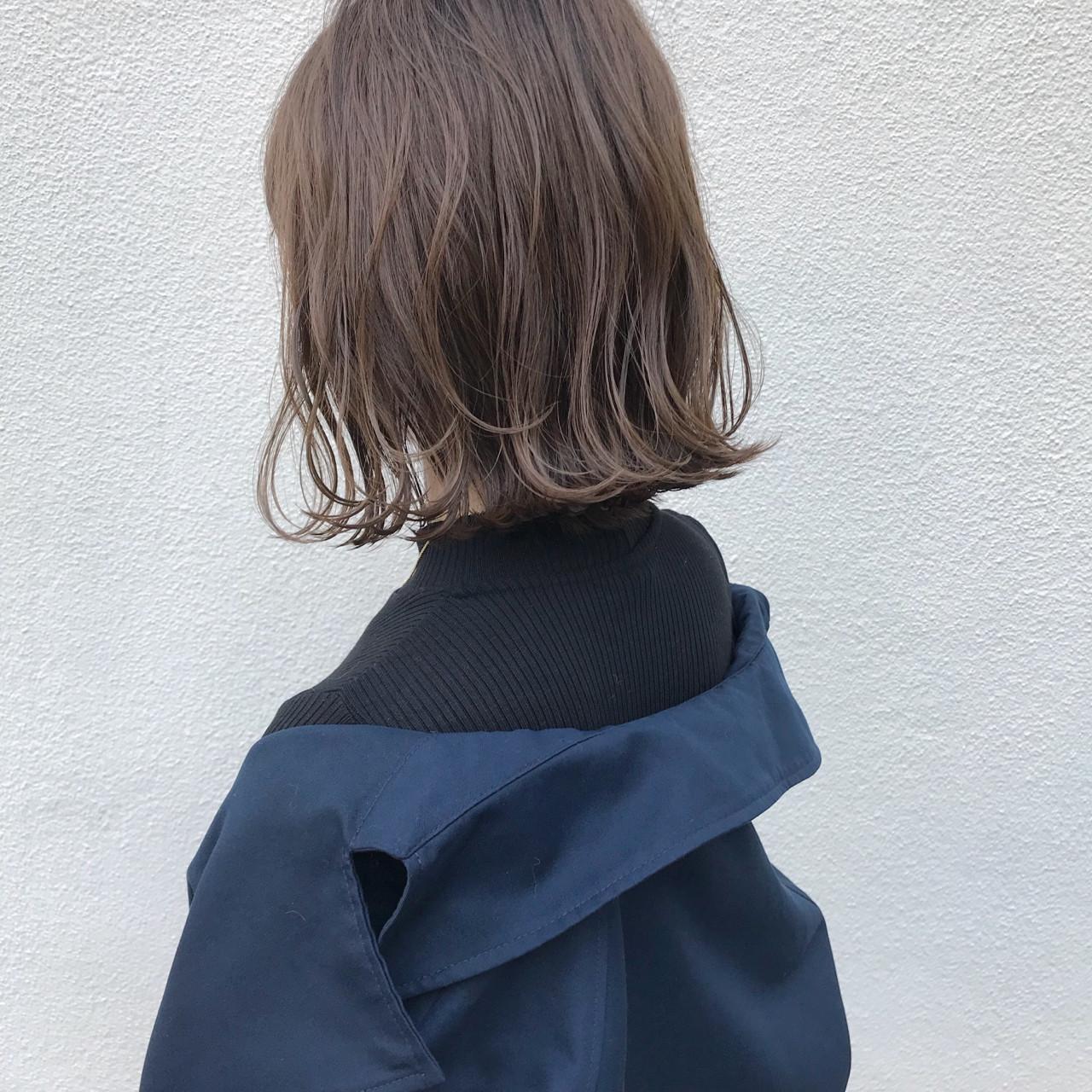 ヘアアイロンでの巻き方間違ってない?適正温度できれいな巻き髪に。の13枚目の画像