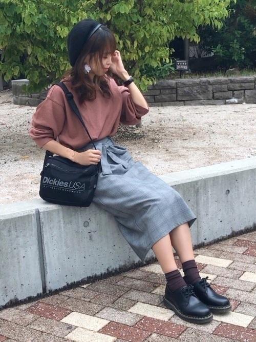 【2020秋冬】ワンパターンじゃないグレータイトスカートコーデ集