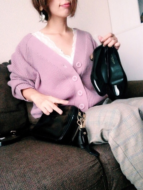 de1554fa5e05 お財布とショルダーバッグが一体化したデザインのウォレットバッグ。普段使いはもちろん、旅行や特別な日にもぴったりのアイテム♡腕に掛けたり、肩から斜め掛けにし  ...