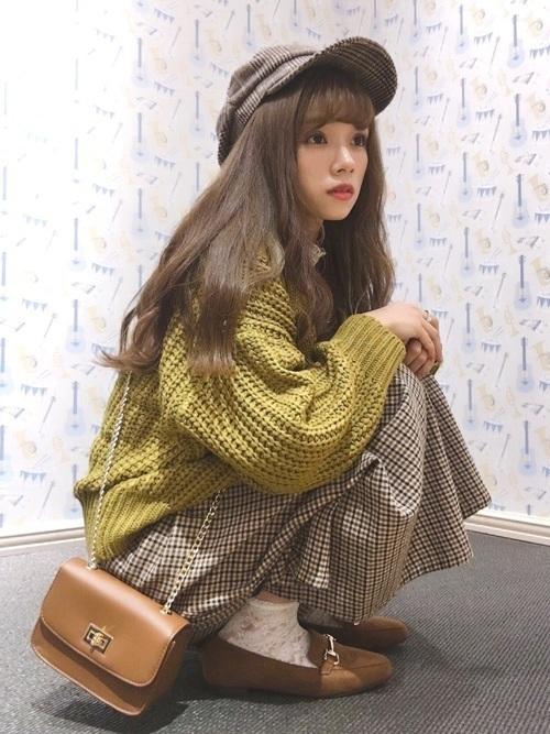 からし色は秋冬~春のトレンドカラー♡おすすめ黄色コーデ30選!の9枚目の画像