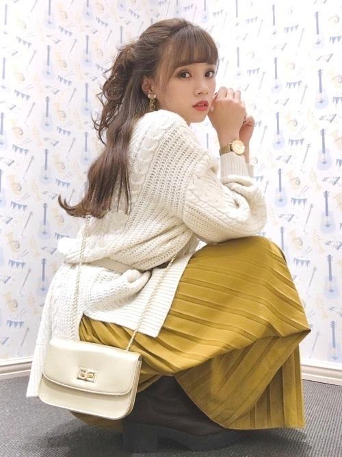 からし色は秋冬~春のトレンドカラー♡おすすめ黄色コーデ30選!の18枚目の画像