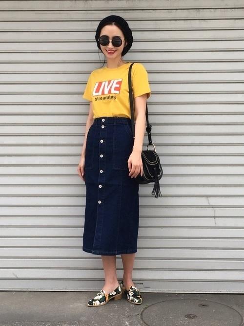 からし色は秋冬~春のトレンドカラー♡おすすめ黄色コーデ30選!の14枚目の画像