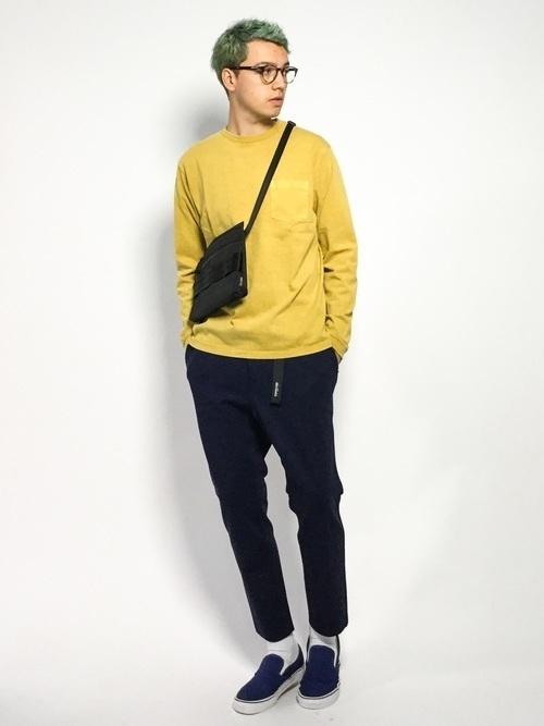 からし色は秋冬~春のトレンドカラー♡おすすめ黄色コーデ30選!の3枚目の画像