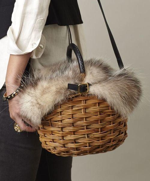 ファー付きかごバッグで季節感×おしゃ見えをかなえる♡