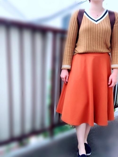 【旬ビタミンカラー】オレンジスカートの着こなしかたをレクチャー!の8枚目の画像