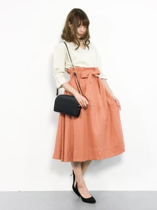 【旬ビタミンカラー】オレンジスカートの着こなしコーデ大特集!の13枚目の画像