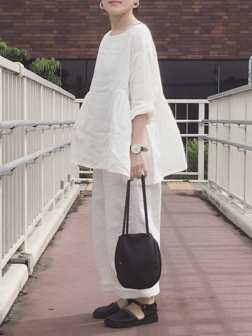 【オールホワイト】を春夏秋冬取り入れる白く美しいレディースコーデ