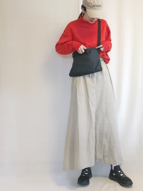 ユニクロのトレーナースウェットを着まわす♡レディースコーデ18選の20枚目の画像