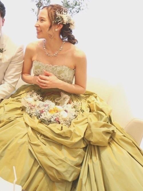 カラードレスに合う髪型】を提案♡美しい花嫁姿で特別な思い出を