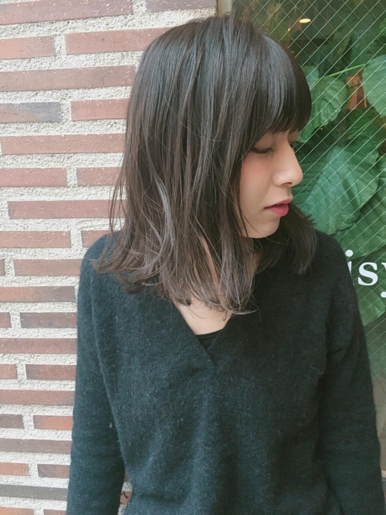 【ブリーチなしでも可愛い!】黒に近い髪色×暗めアッシュ大公開♡の1枚目の画像