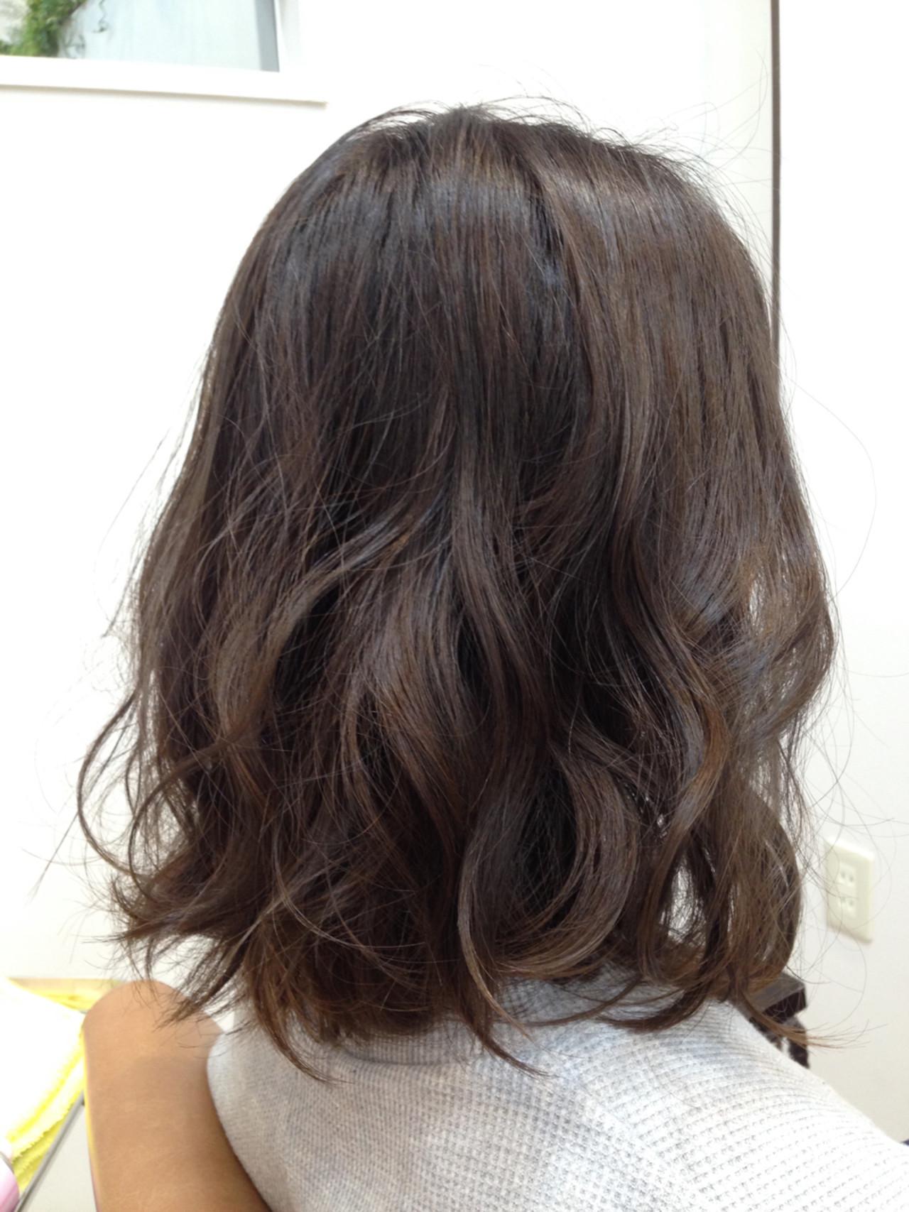 【ブリーチなしでも可愛い!】黒に近い髪色×暗めアッシュ大公開♡の10枚目の画像