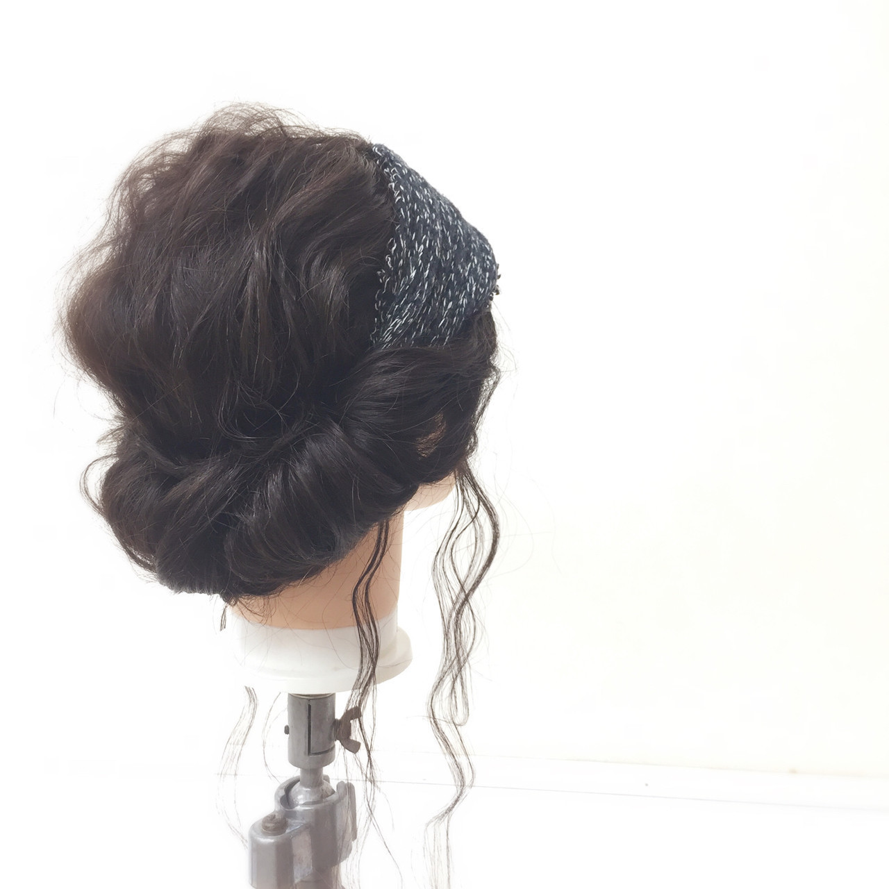 愛されヘアに変身♡黒髪のトレンド髪型を《年代別&シーン別》に紹介の11枚目の画像