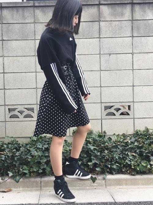 【身長を盛りたい女子必見!】インヒールスニーカーのコーデ紹介♡