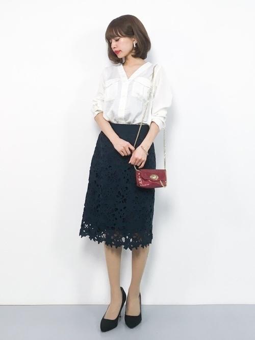 オフィスだって色っぽくいたい♡レースタイトスカートのコーデ紹介の2枚目の画像