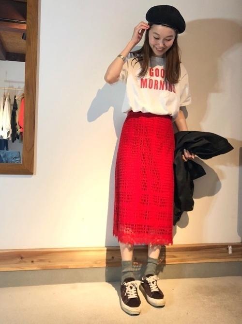 オフィスだって色っぽくいたい♡レースタイトスカートのコーデ紹介