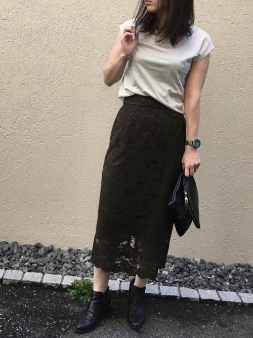 オフィスだって色っぽくいたい♡レースタイトスカートのコーデ紹介の9枚目の画像