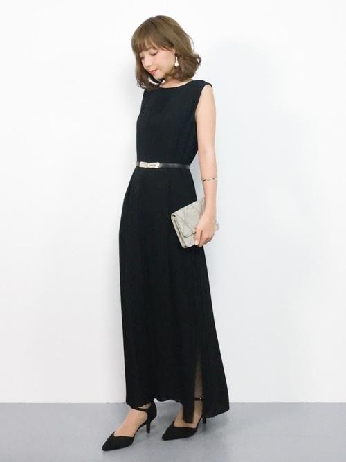 着回し自在な黒のロングドレスは結婚式やパーティなどのお呼ばれシーン以外にもクラシカルな場で行う女子会やフォーマルなシーンにぴったりなアイテム。
