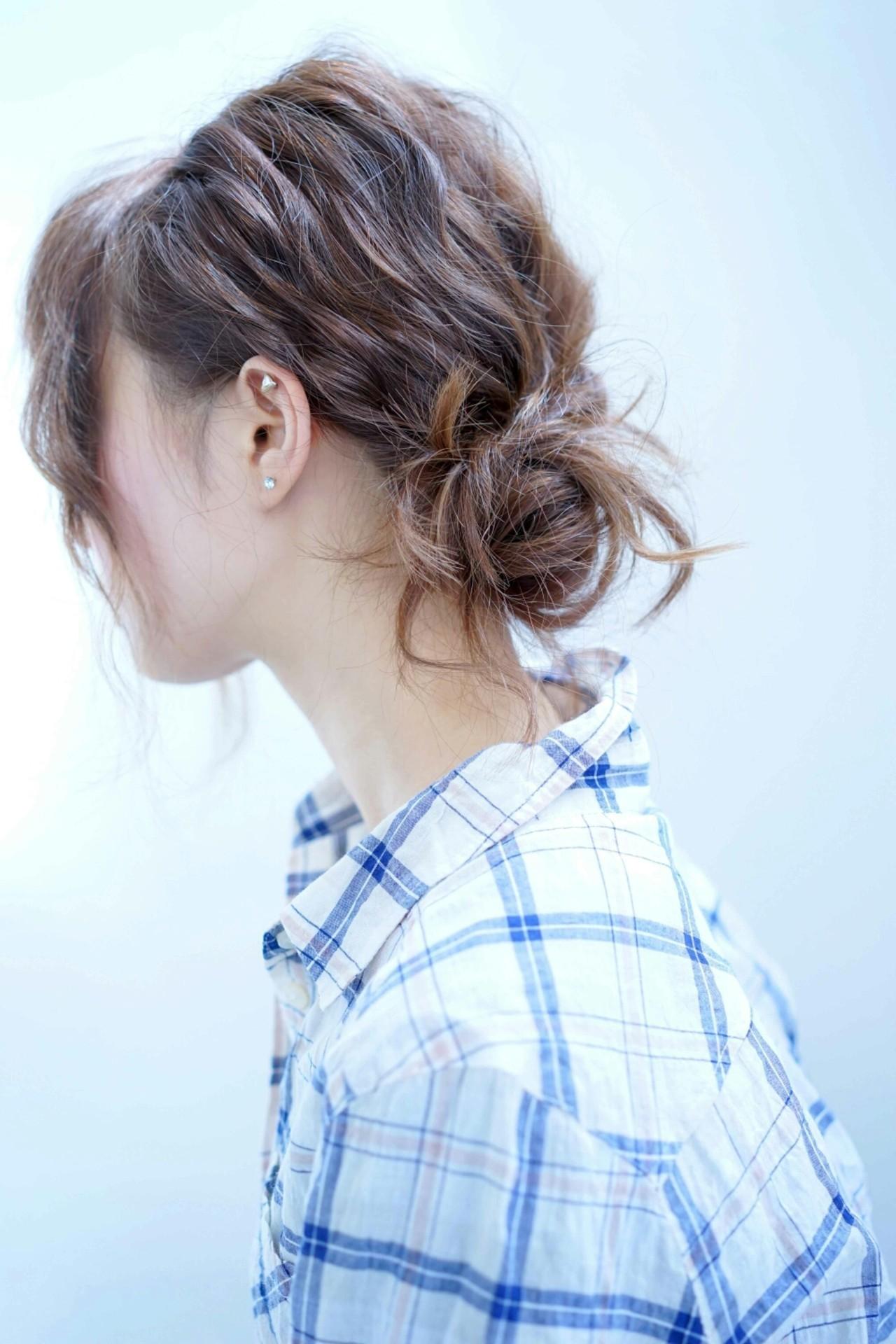 ショートヘアでもできるお団子ヘア。崩れ防止の便利アイテムも紹介の11枚目の画像