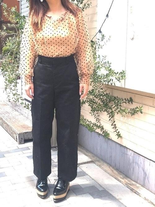 着回し力ばつぐん!【黒パンツ】のオトナレディースコーデ60選♡の62枚目の画像