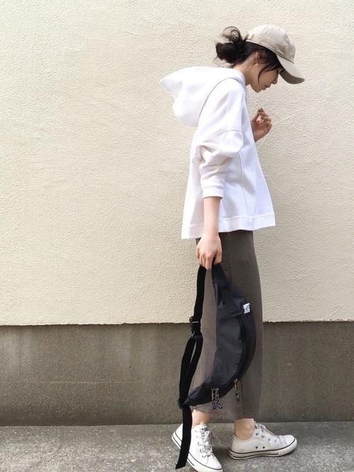 大人女性におすすめ♡着回ししやすいユニクロタイトスカートコーデの1枚目の画像